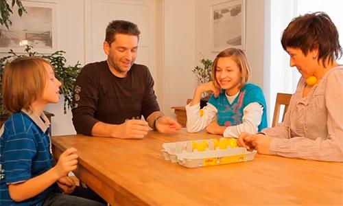 La danza del huevo: juego en familia